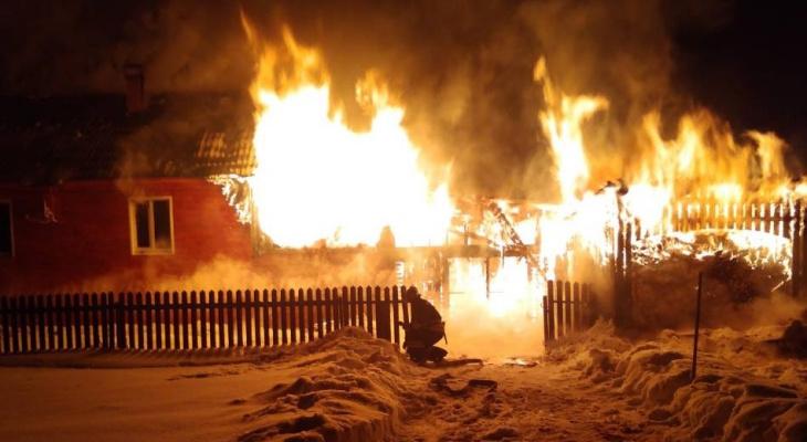 В Кировской области за вечер в пожарах погибли трое: следователи проводят проверку