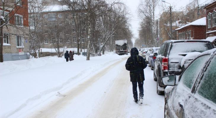 Температурные качели и снег: прогноз погоды в Кирове на новогодние праздники