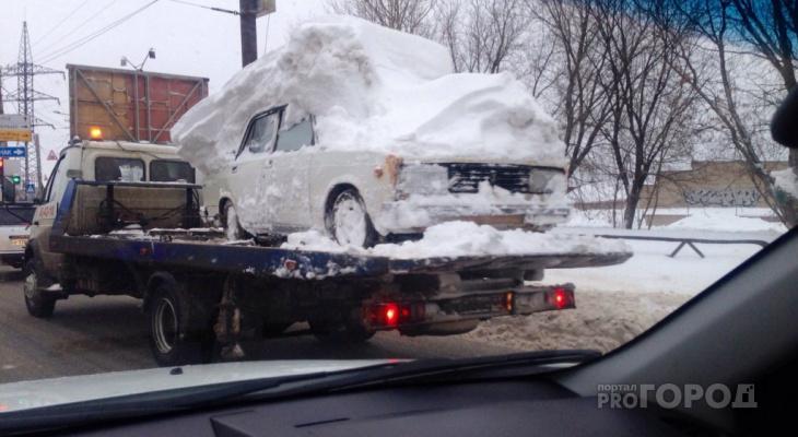 Уберите автомобили: известен список улиц Кирова, где пройдет уборка снега