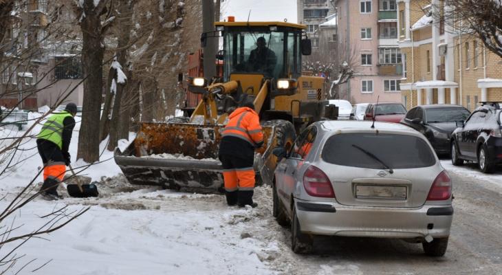 В Кирове будут эвакуировать автомобили, которые мешают уборке снега