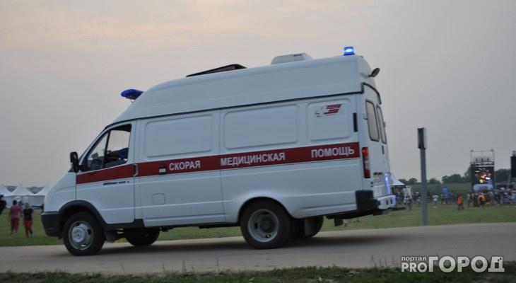 В Кирове на ребенка рухнула глыба льда с крыши