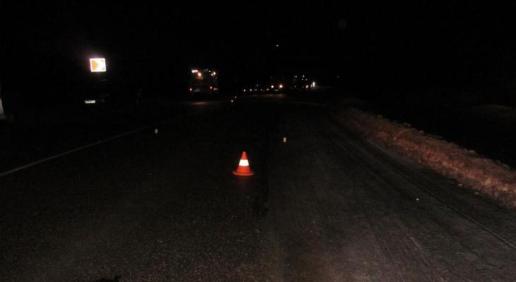 В Нолинском районе на трассе машина скорой помощи сбила пешехода