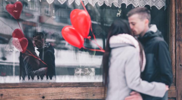 Раков ждут подарки, а Весов - проверка: любовный гороскоп для всех на 14 февраля