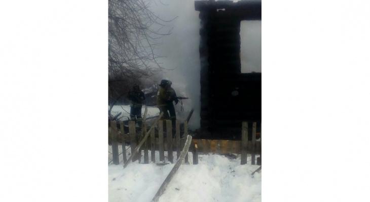 В Кировской области сгорел жилой дом: 3 человека погибли
