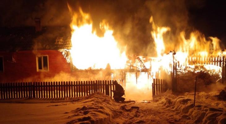 В Медянах на месте пожара нашли тело пенсионера: задержан подозреваемый