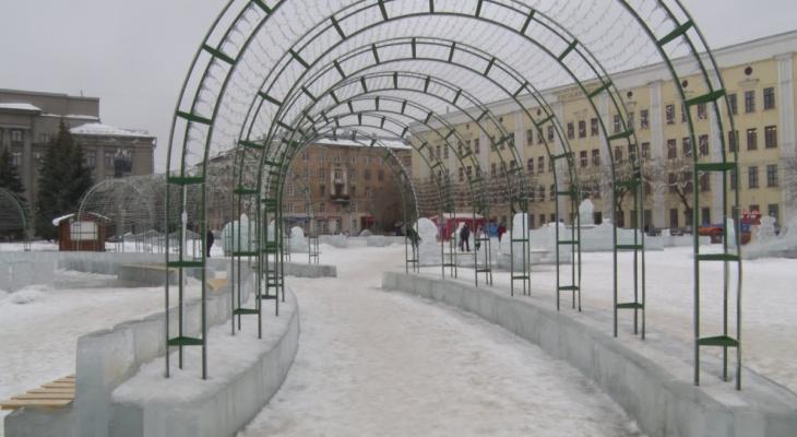 Оттепель стала причиной демонтажа городка на Театралке