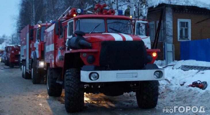 «Квартира была вся в дыму, слышался хрип человека»: подполковник  из Слободского спас человека на пожаре