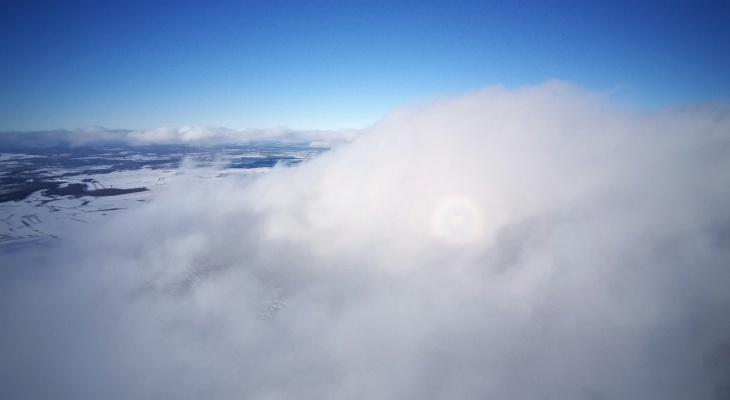 Глория: жители Котельнича наблюдали оптическое явление в облаках