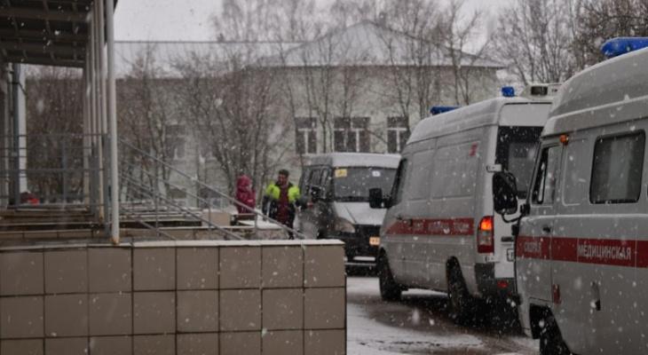 Корпуса трех медучреждений в Кировской области готовят к приему больных коронавирусом