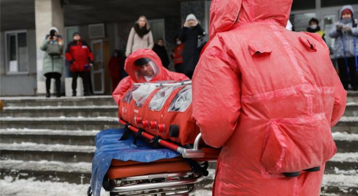Что обсуждают в Кирове: госпитализированная семья и завоз масок