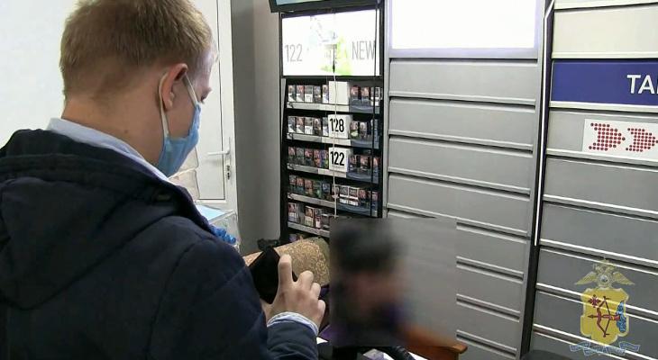 Полицейские оштрафовали два магазина в Кирове за нарушение масочного режима