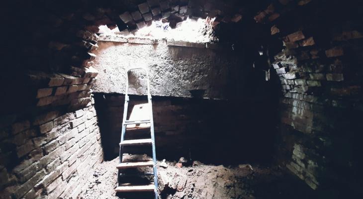 В Кирове при ремонте теплосети коммунальщики нашли два старинных подземелья