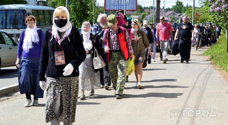Фоторепортаж: тысячи паломников вышли из Кирова в Великорецкое, несмотря на запрет