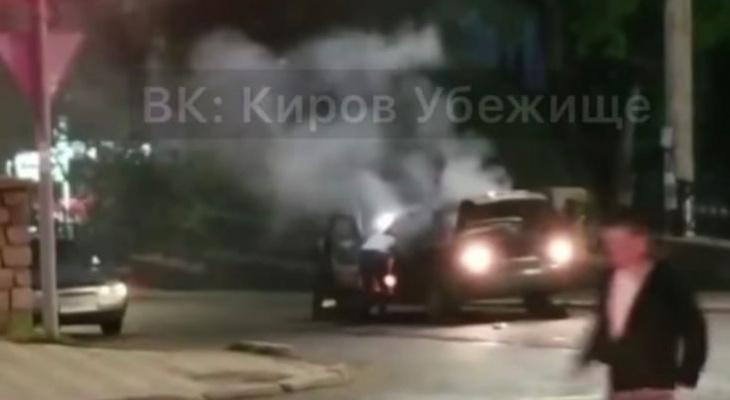 В Кирове на ходу загорелась «Лада Приора»