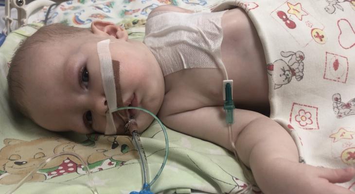6-месячному ребенку поставили страшный диагноз: спасти от смерти Сашу может только операция в США