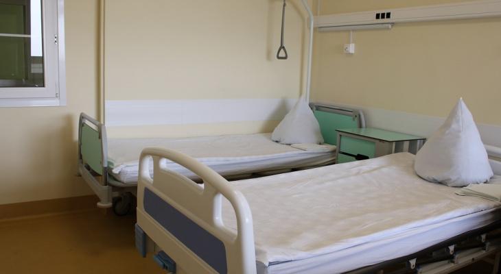 В Кировском инфекционном госпитале скончалась пациентка с COVID-19