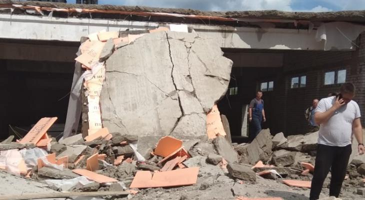 Районные власти начали сбор средств для семей погибших в Зуевке рабочих