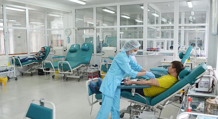 В правительстве установили стоимость плазмы крови для лечения больных COVID-19