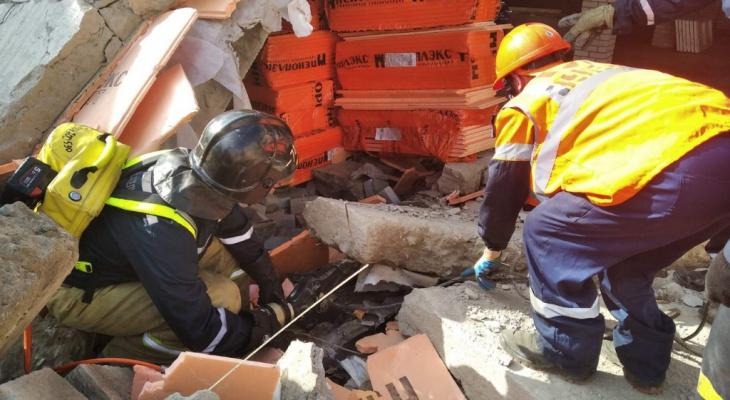 Известно, в каком состоянии пострадавший после обрушения на стройке в Зуевке