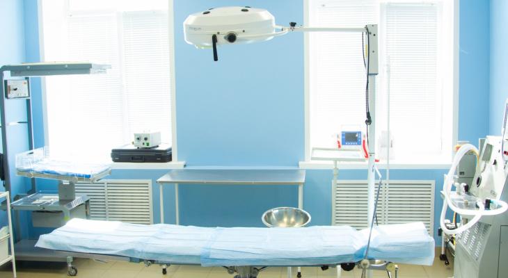 В Кирове в инфекционном госпитале скончалась пациентка с COVID-19