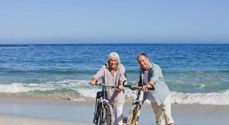 На пляже Карибского моря или в пансионате престарелых: где встречают старость обеспеченные кировские пенсионеры