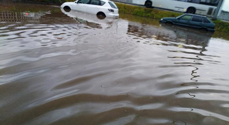Потоп в Кирове из-за ливня: фото и видео последствий непогоды