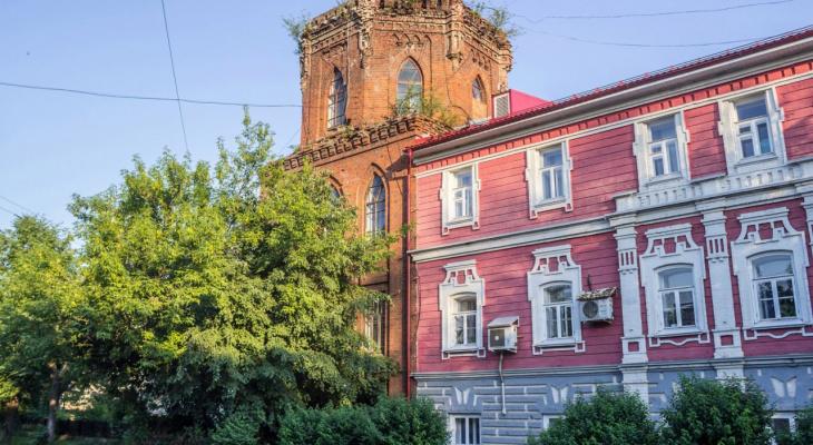 На приборку в башне по проекту Чарушина пришел главный архитектор Слободского