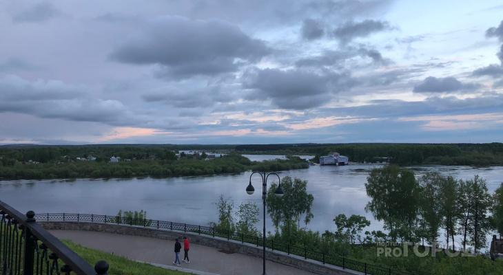 Что обсуждают в Кирове: когда придет тепло и спасение мужчины спецназовцем