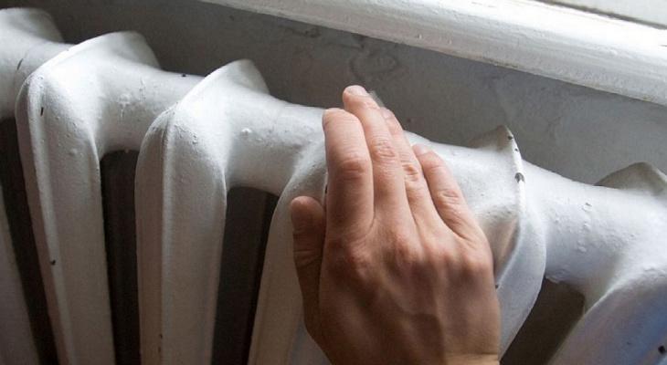 Специалисты «ЭнергосбыТ Плюс» обеспокоены подготовкой жилого фонда Кирова к зиме