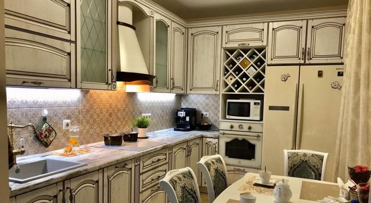 Неверное место хранения и маленькая столешница: ошибки, которые делают готовую кухню бесполезной