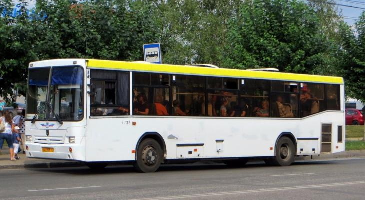 Водители кировского АТП перешли на почасовую оплату: сколько они получают и снизилась ли аварийность