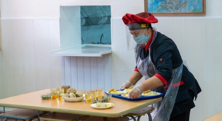 Все ученики 1-4 классов в Кировской области обеспечены бесплатным горячим питанием