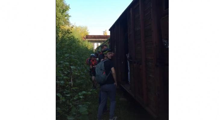 В выходные в Кирово-Чепецке сошел с рельсов вагон поезда с туристами