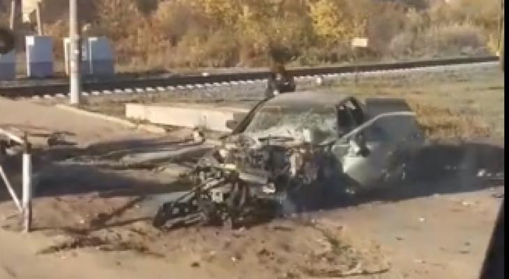 «Машина всмятку»: в Кирове на улице Лепсе произошло страшное ДТП