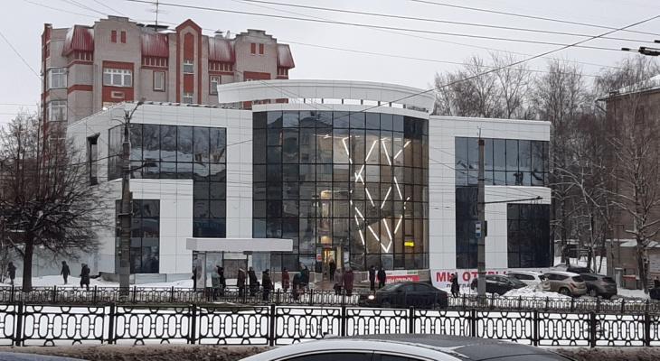 Новый ТЦ «Новинка» в Кирове могут закрыть из-за незаконной надстройки