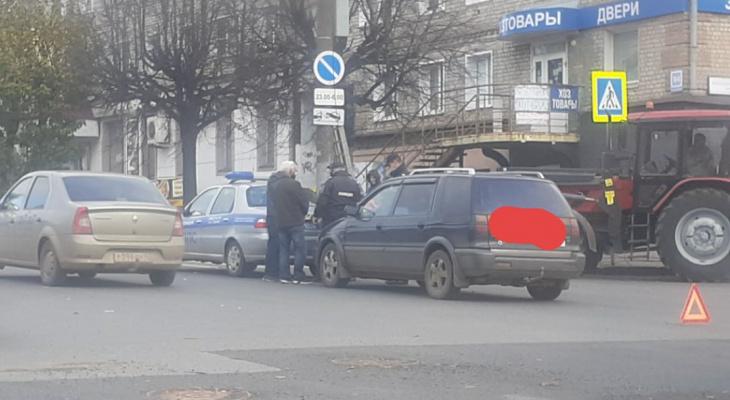 В Кирове машина ППС попала в ДТП, когда пропускала пешеходов