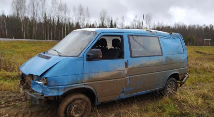 Утром на трассе в Кировской области погибла 16-летняя девушка-водитель
