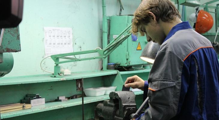 В Кировской области ввели допвыплаты работодателям, которые не увольняют работников