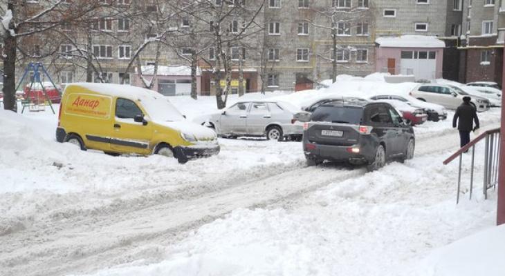 На каждом дворнике будет маячок: в Кирове сообщили о готовности к снегопаду и гололеду