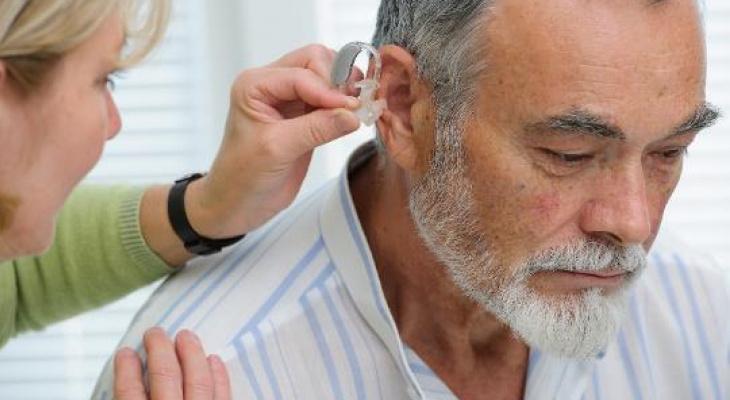 Потеря слуха может привести к болезни Альцгеймера