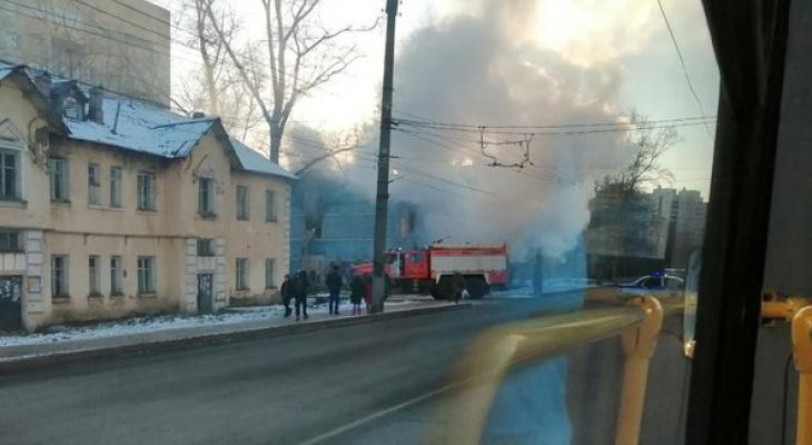 Пострадавшего с ожогами доставили в больницу: появились подробности пожара на Красина