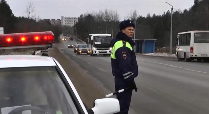 За выходные в Кирове остановили 60 водителей в состоянии опьянения или без прав
