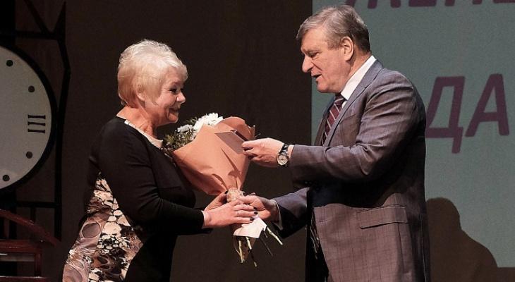 В Кирове ищут номинанток на звание «Женщина года»