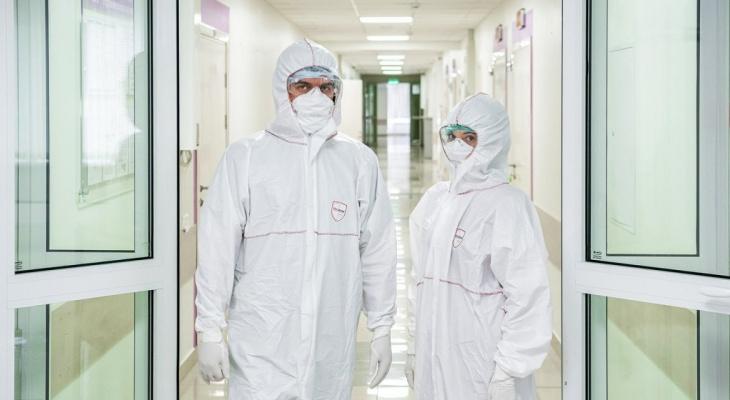 Названы 3 опасности нового штамма коронавируса, обнаруженного в России