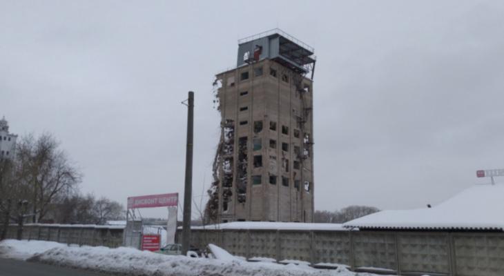 Что обсуждают в Кирове: подробности о ДТП на Советском тракте и взрыв башни на Мелькомбинатовском