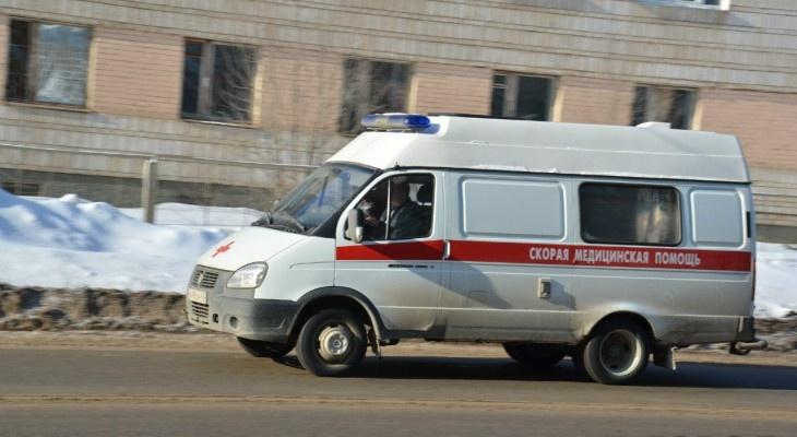 В Кировской области с высоты 4 этажа выпал ребенок