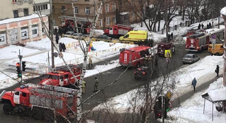 В Кирове произошел пожар в 12-этажке: эвакуированы более 30 человек