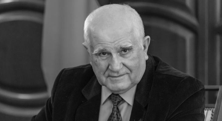 В медиарейтинг представителей власти попал скончавшийся в декабре Владимир Бакин