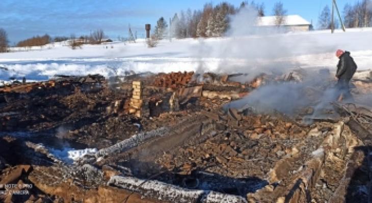 В Кировской области на месте сгоревшего дома нашли останки человека