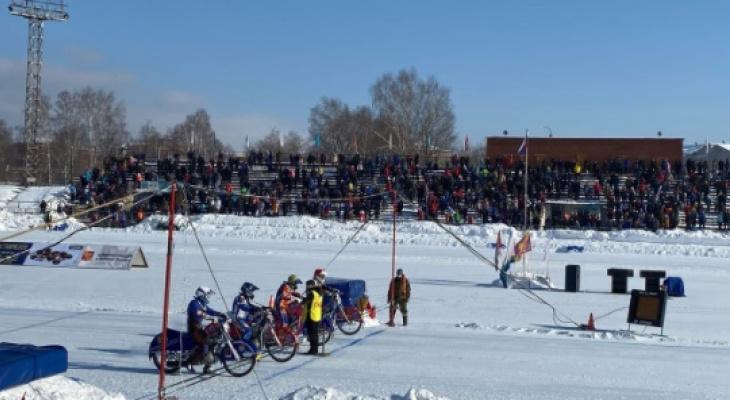 В Кировской области стартовал этап командного чемпионата России по мотогонкам на льду